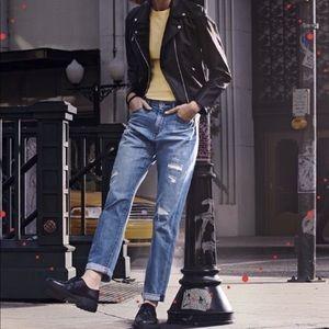 UNIQLO High Rise Distressed Boyfriend Jeans